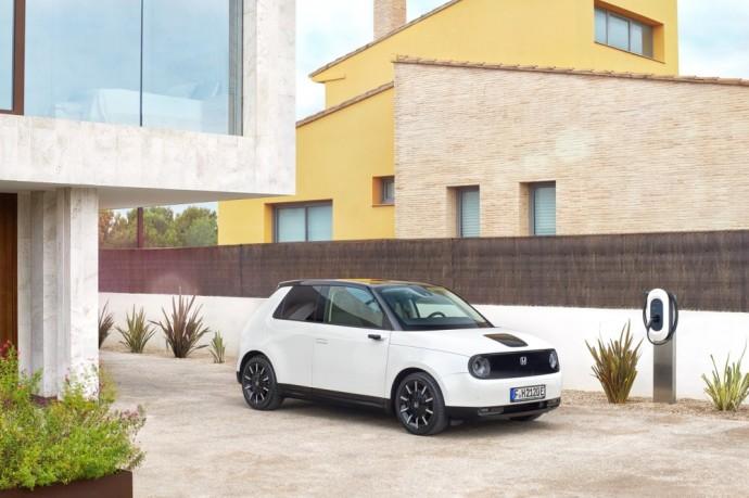 New generation of Honda electric car - Honda e