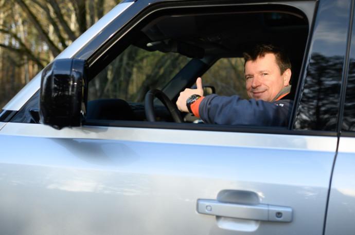 Land Rover Defender visureigis