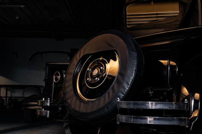 Classic Car Loft dirbtuvėse esantis Dodge Brothers Four Doctors Coupe