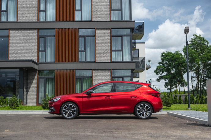 Read the definitive Seat Leon 2020 review
