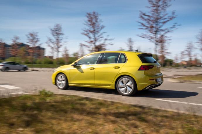 BMW 1 serija ir Volkswagen Golf