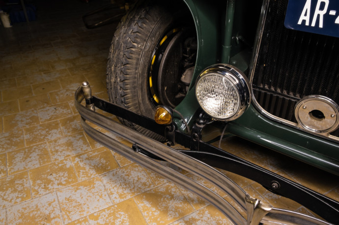Retroklasika įkūrėjo Šarūno Žitkevičiaus dirbtuvėse stovintis automobilis