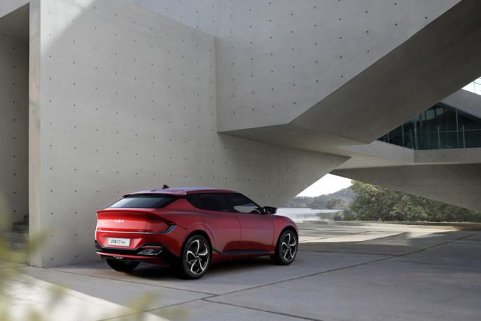 Tesla Model 3 konkurentė – KIA EV6