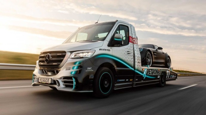 Mercedes-Benz Sprinter Petronas Edition
