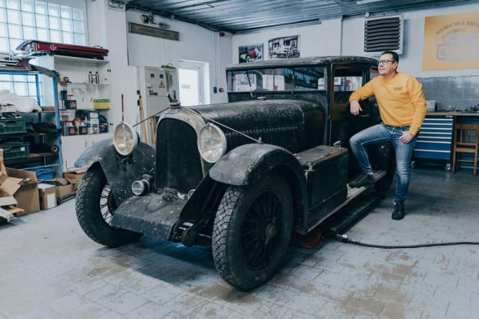 Restauruojamas automobilis