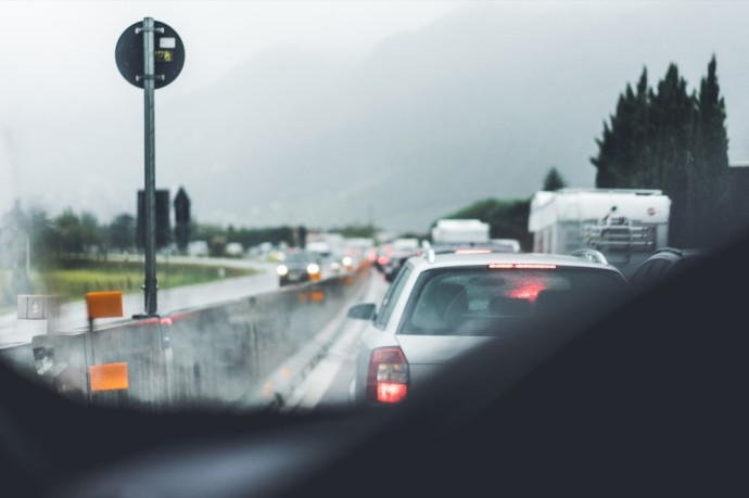 Spūstis pro automobilio langą