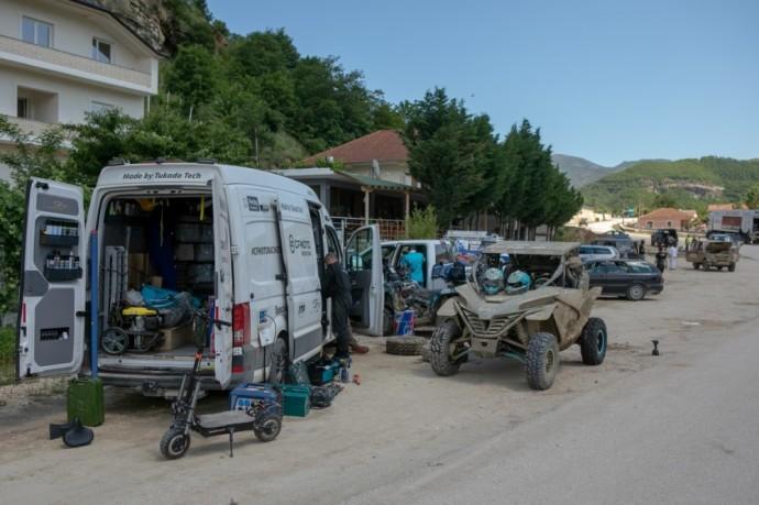 """Lietuvos atstovai Albanijoje - """"CFMOTO Factory Racing Team"""" lenktynininkai gavo progą šiek tiek atsipūsti."""