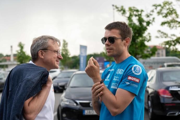 Jurgis Adomavičius bei Tomas Rimkus, bet ir ralio ir rali-reido lenktynių virtuozas Vaidotas Žala. Lenktynėse komandai vadovaus Saulius Jurgelėnas, o pirmasis startas jų laukia jau Birželio 18-19 dienomis Estijoje vyksiančiose 6 valandų ištvermės lenktynėse.