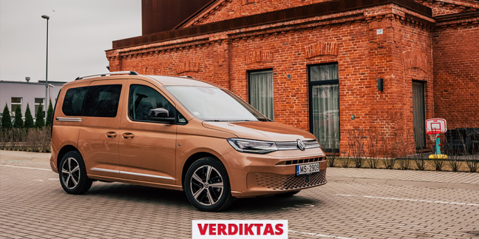 """Naujutėlio """"Volkswagen Caddy"""" keleivinio furgono apžvalga, kuri leis susipažinti su visapusiškai pasikeitusiu modeliu."""