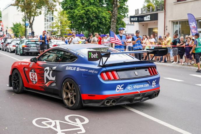 """""""Dynami:t Super Sprint"""" rungtį laimi tas dalyvis, kuris numatytą atkarpą įveikia greičiau, tačiau """"RC Cola racing by 8000RPM motorsport"""" komanda nusprendė kovoti ne dėl rezultato, o dėl žiūrovų simpatijų. Prie """"Ford Shelby GT350"""" vairo sėdo Darius Biesevičiaus, kuris parodė, ką sugeba daugiau nei 500 arklio galių turintis jų bolidas."""