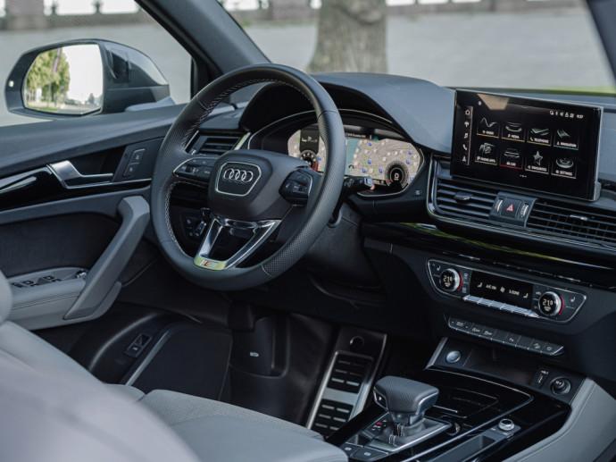 """""""Audi"""" atsižvelgdama į nuolatos didėjančią Q modelių paklausą, netrukus Lietuvoje pradės pardavinėti trečiąjį CUV tipo modelį – """"Audi Q5 Sportback""""."""