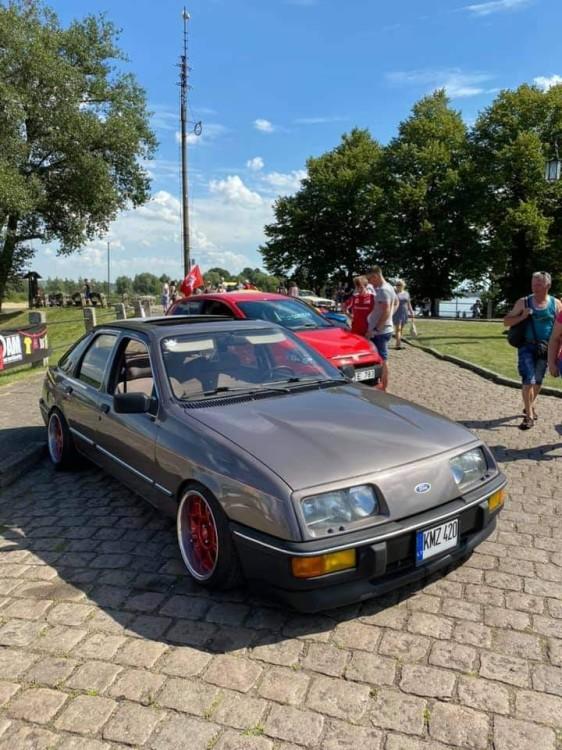 Tradicija tapusiame Rusnės festivalyje – senovinių automobilių paroda
