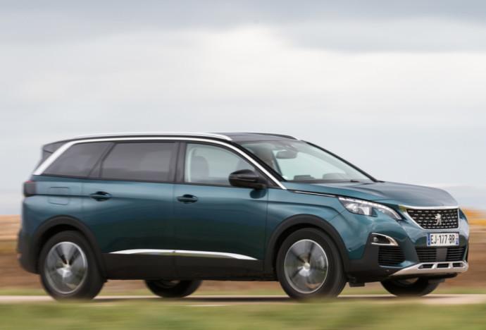 """Naudotas antros kartos """"Peugeot 5008"""": Smulkūs defektai neturėtų atbaidyti"""