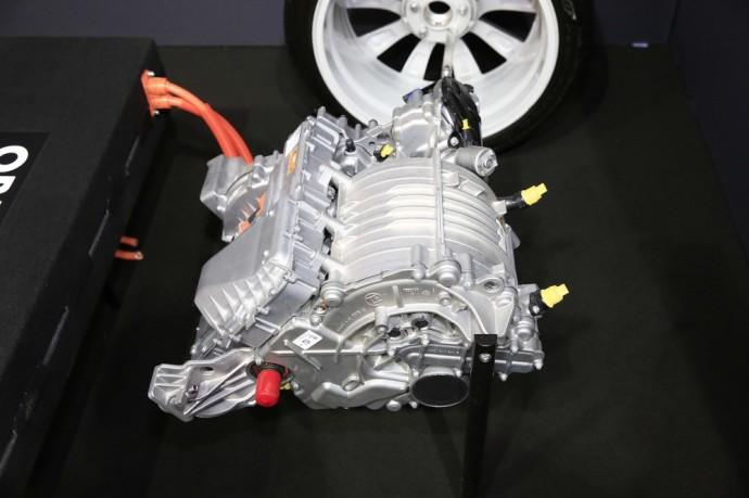 Austrų bendrovė siūlo efektyvų būdą, kuriuo būtų galima sumažinti elektromobilių kainą