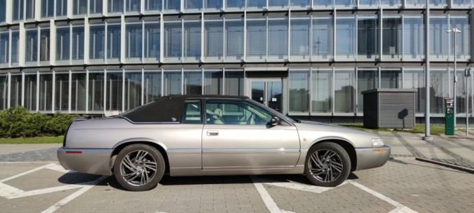 """Automanų skelbimai: Ne kiekvieną dieną gatvėje matomas """"Cadillac"""" kupė"""