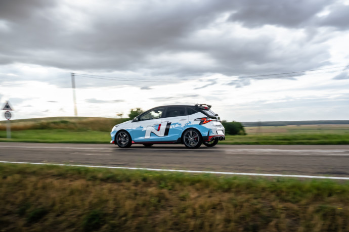 """""""Hyundai i20 N"""" testas: Tiesiai į paširdžius """"Renault Sport"""" padaliniui"""
