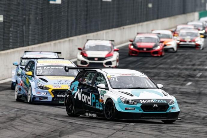 Jonas Karklys iškovojo podiumą Vokietijos žiedinėse lenktynėse