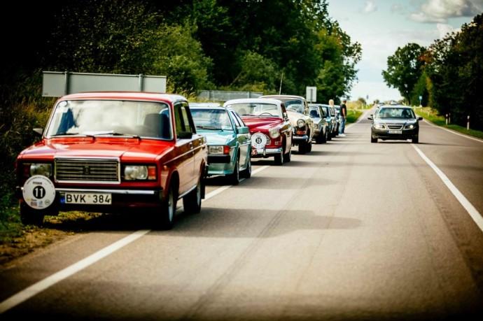 Parubežio keliais nudundėjo istorinių automobilių ralis
