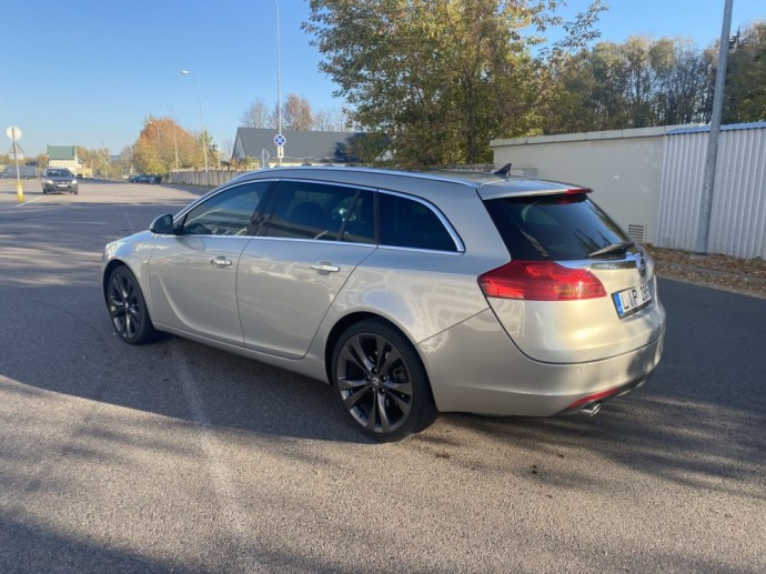 """Automanų skelbimai: Truputėlį pigesnė """"Opel Insignia OPC"""" alternatyva"""