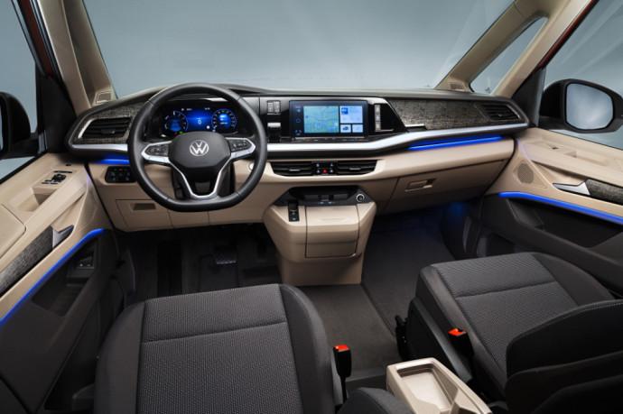 """""""Volkswagen Multivan"""" ruošiasi pasirodymui Lietuvos rinkoje"""